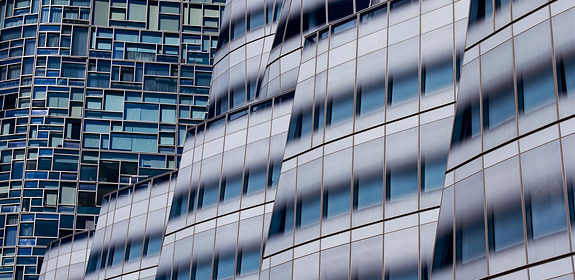 Nicola Olic: Dominates Tall  Buildings With A Single Lens!